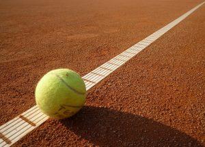 Antukový tenisový kurt