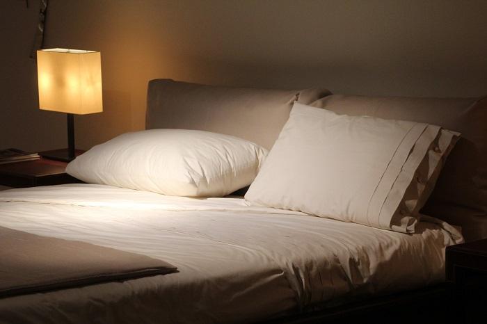 Prehoz na posteľ a postieľku
