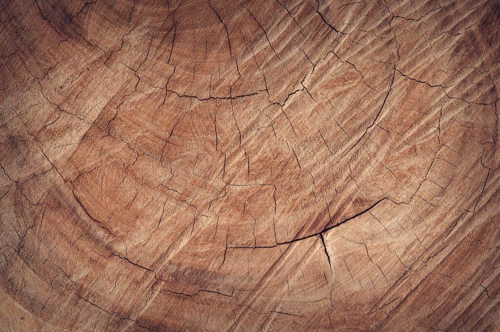 Farba na drevo a jej použitie